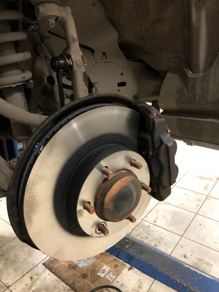 Замена передних тормозных дисков ЛК120