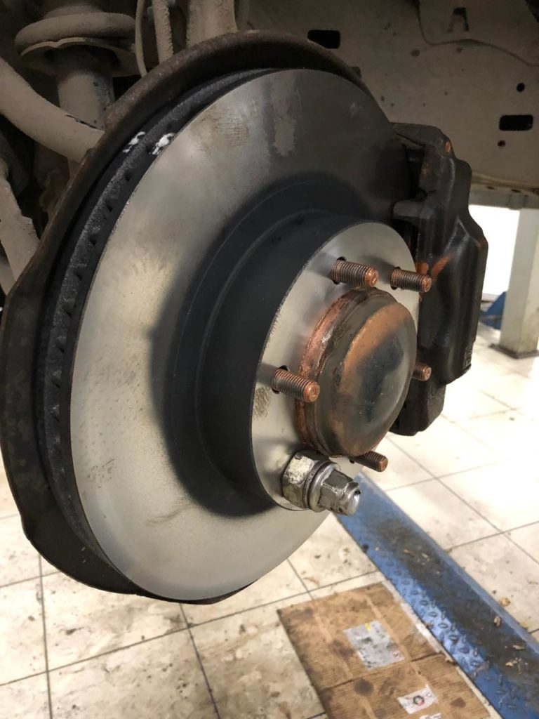 Замена передних тормозных колодок ЛК120