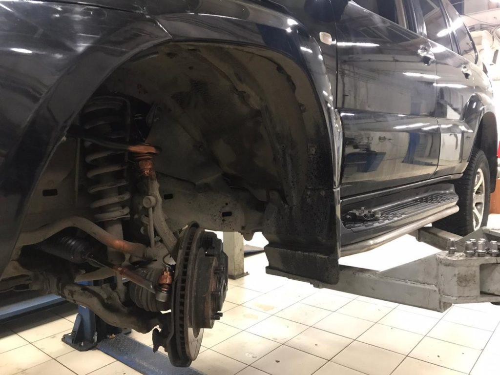 Замена верхних рычагов и рулевых тяг с наконечниками тойота ленд круизер 120