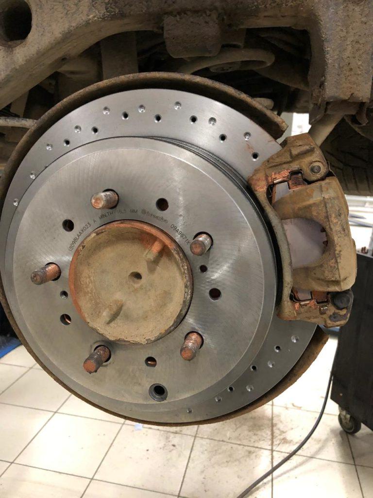 Замена задних тормозных дисков тойота ЛК200
