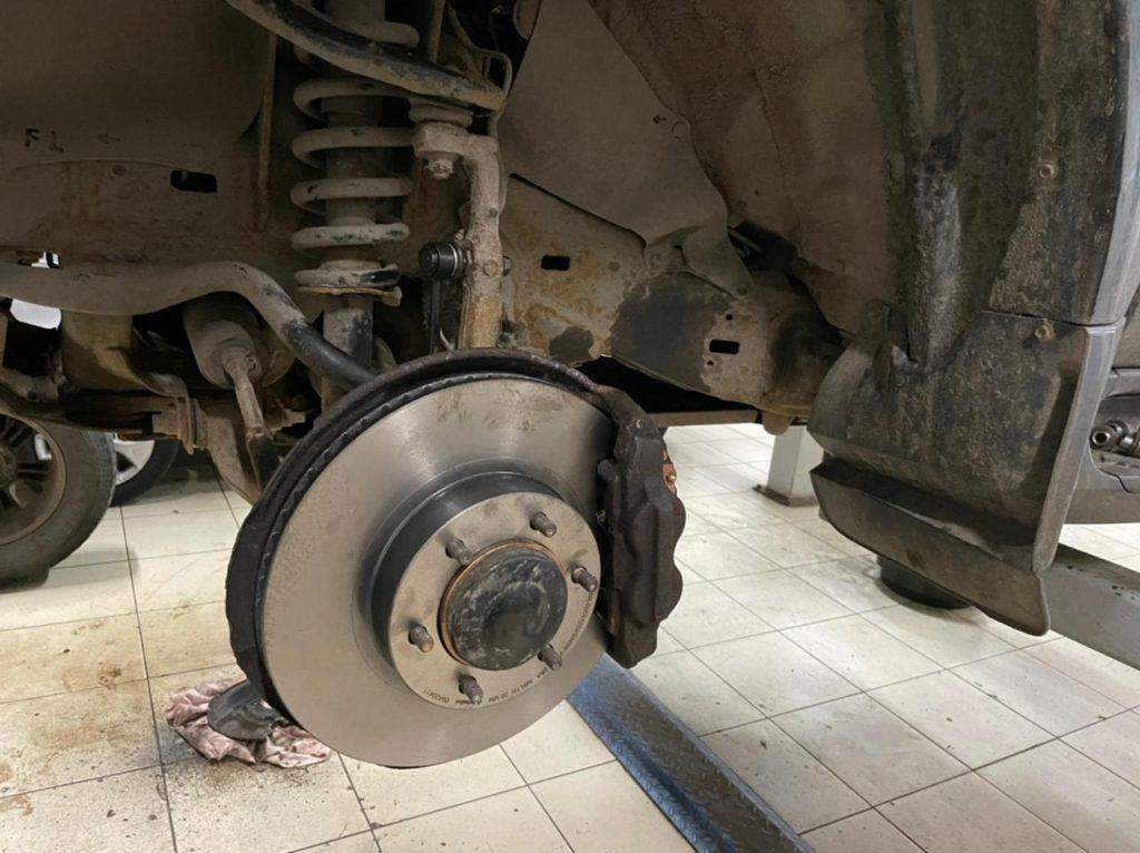 Замена тормозных дисков на тойота